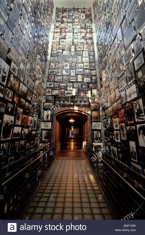 1008DCF03 Tower of Faces, National Holocaust Memorial