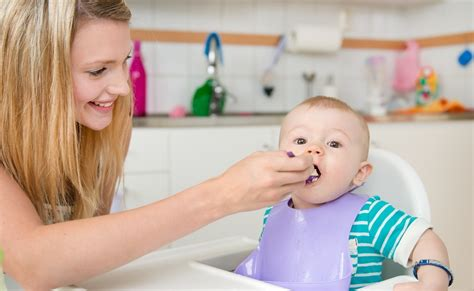 Weaning your baby - 6 to 9 months