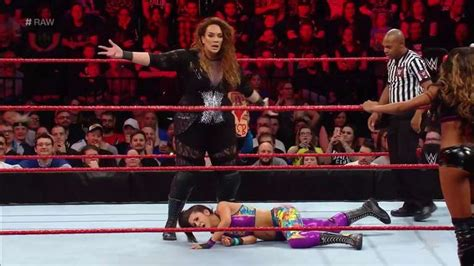 WWE Raw Results (11/06): Women's Tag Team Match
