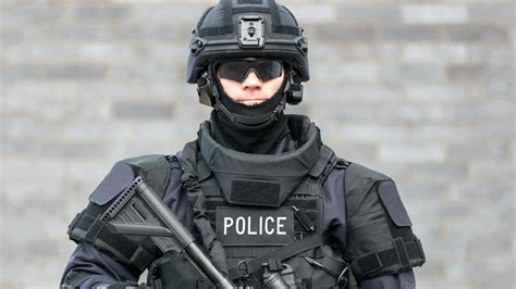 There are already police visors with built-in face
