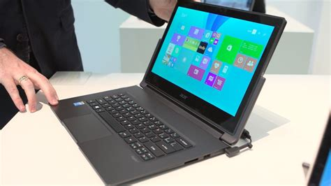 Acer Aspire R13 laptop turns into a tablet, or is it the